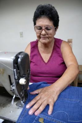 En Villa Clara corren tiempos de costureras