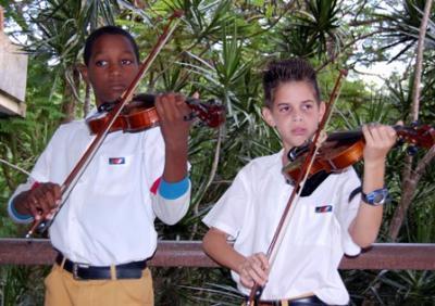 La Enseñanza Artística Cubana se Enfrenta al Bloqueo