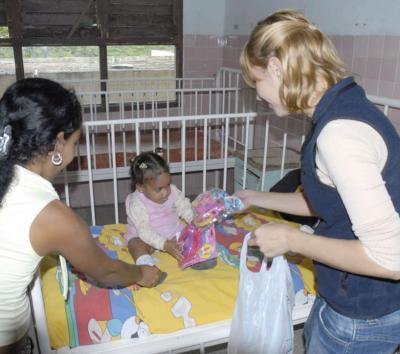 Realizan Donativos Para Niños Hospitalizados