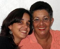 Madre e hija: Unidas en la distancia